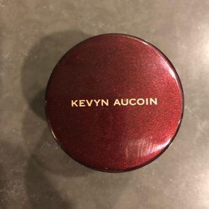Kevyn Aucoin The Sensual Skin Enhancer in SX05